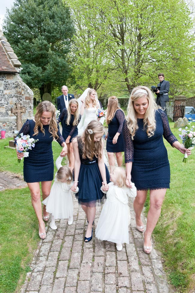 bridesmaid-jobs-for-the-big-day-grahamyoungphotos.co.uk
