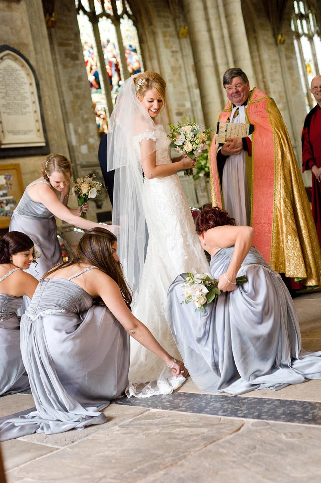 bridesmaid-jobs-for-the-day-shoot-lifestyle.co.uk