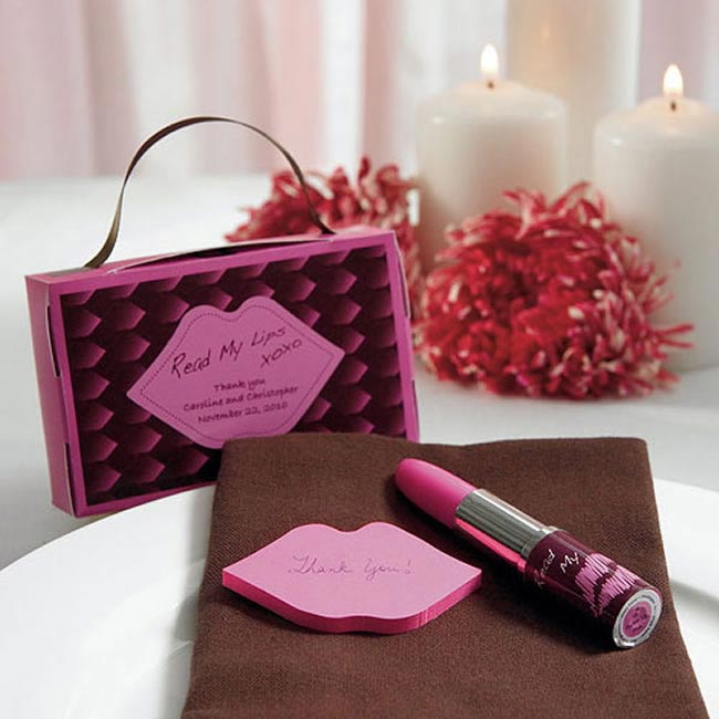 genius-wedding-favours-for-bridesmaids-and-flower-girls-lipstickpen