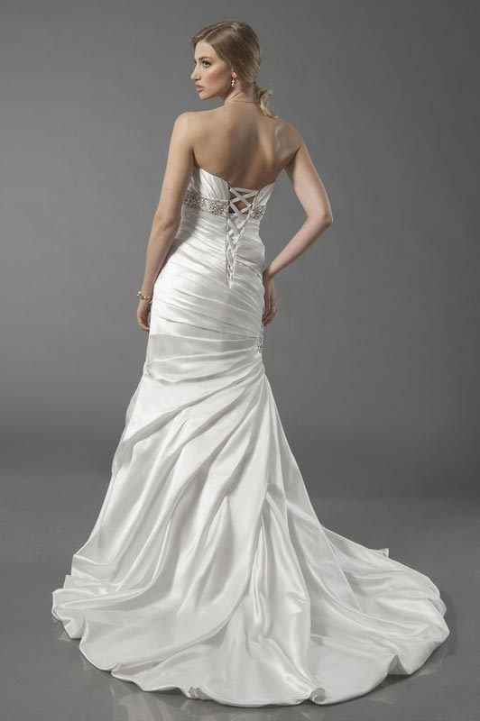 jade-daniels-2014-collection-style-8711-back
