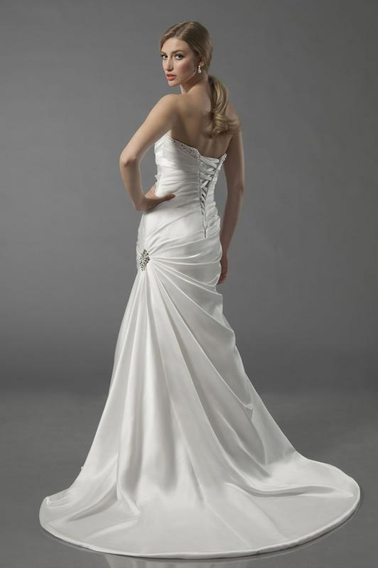 jade-daniels-2014-collection-style-8712-back