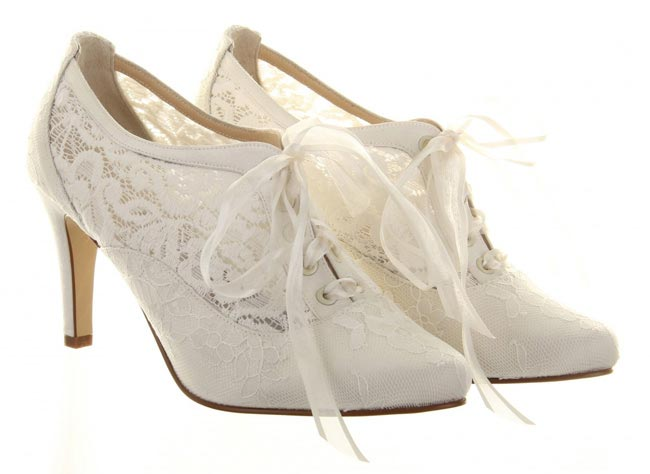 lace-wedding-shoes-Heartbeat-210