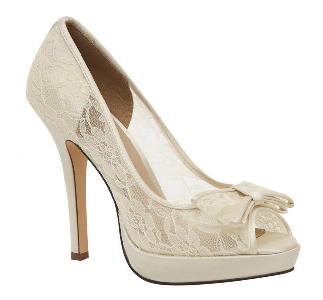 lace-wedding-shoes-queen-199