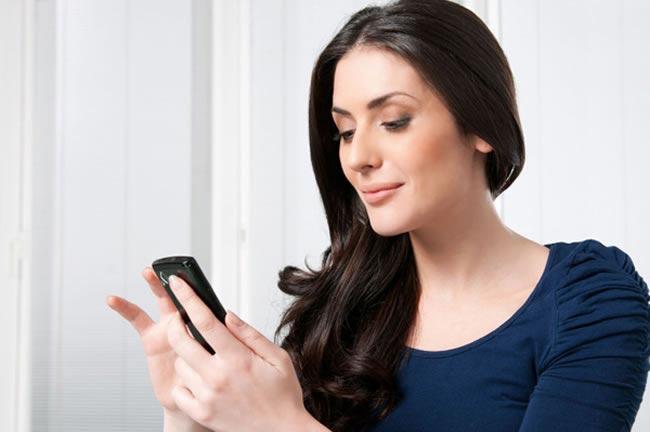 top-apps-help-plan-wedding-iphone-woman