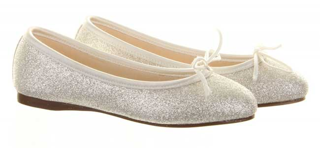 11-of-the-best-new-winter-wedding-shoes-Hayley