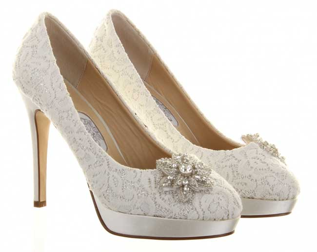 11 Of The Best New Winter Wedding Shoes
