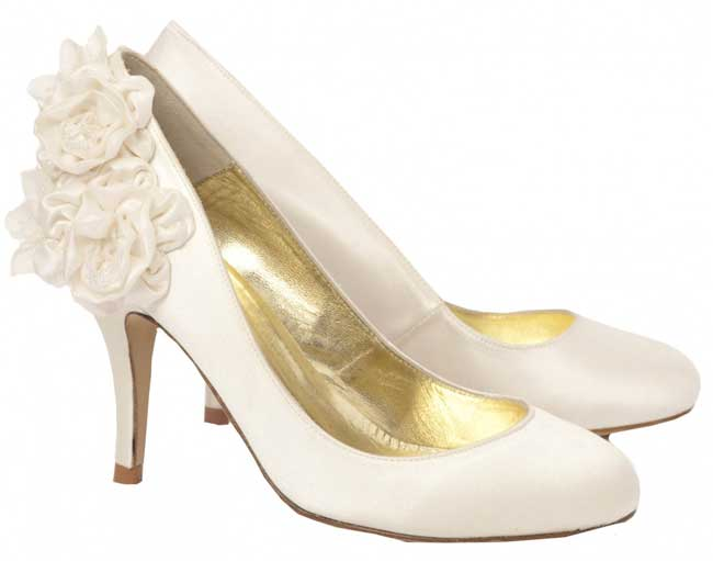 11-of-the-best-new-winter-wedding-shoes-josephine