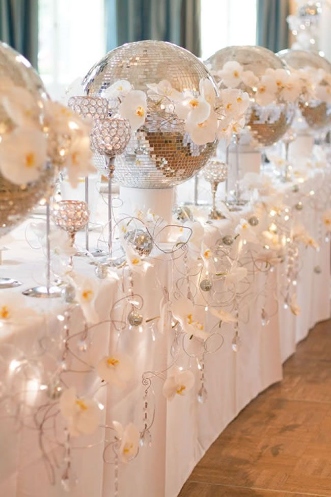 4-of-the-best-white-winter-wedding-themes-photoluminaire.co.uk