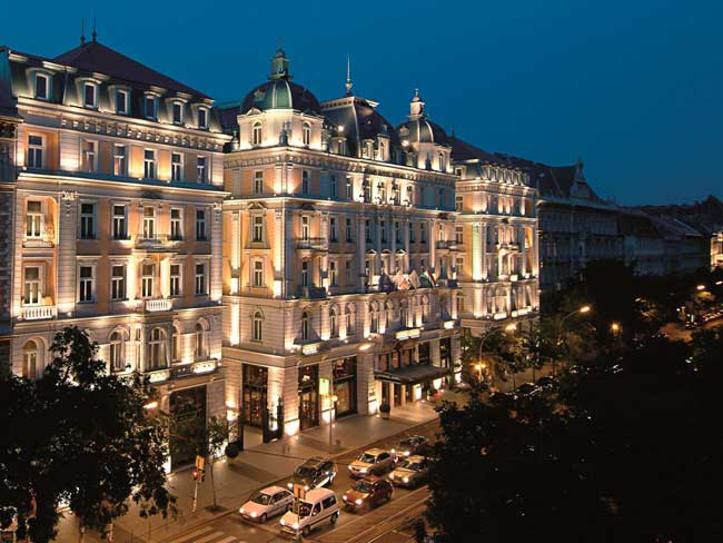 5-of-the-best-worldwide-locations-for-a-winter-wedding-budapest