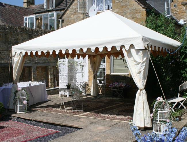 9-budget-friendly-ways-style-wedding-reception-venue-focal point1