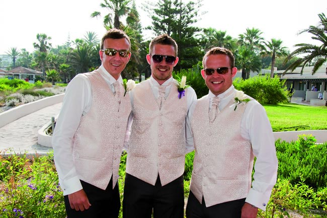 9-rules-dressing-wedding-abroad-Laura and Matthew Slater Nissi BeachML-007