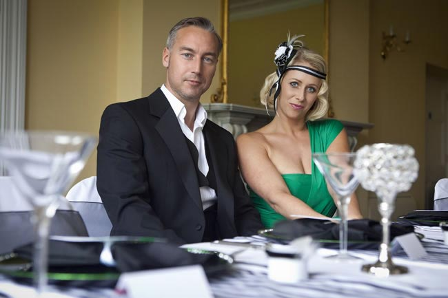 1920s wedding photoshoot with a touch of emerald from Hampshire Wedding Supplier