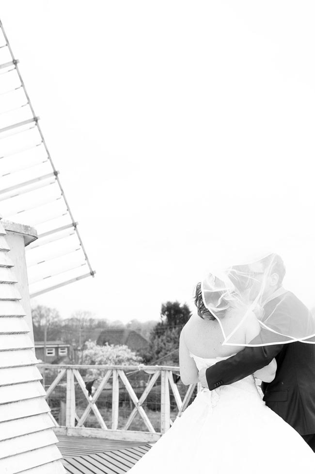Stunning-winter-wedding-photographs-every-summer-bride-should-see-08