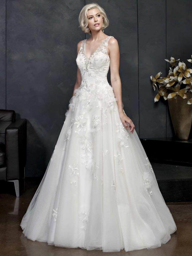 beautifully-detailed-wedding-dresses-for-2014-from-kenneth-winston-PL1536