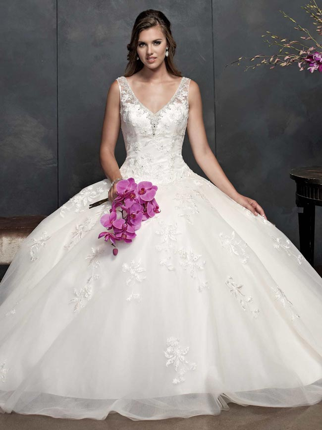 beautifully-detailed-wedding-dresses-for-2014-from-kenneth-winston-PL15362