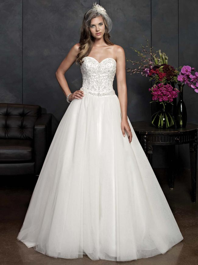 beautifully-detailed-wedding-dresses-for-2014-from-kenneth-winston-PL1538