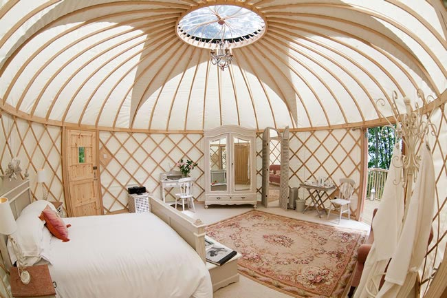 budget-honeymoons-500-priory-bay-yurt-2-chris-cowley-15