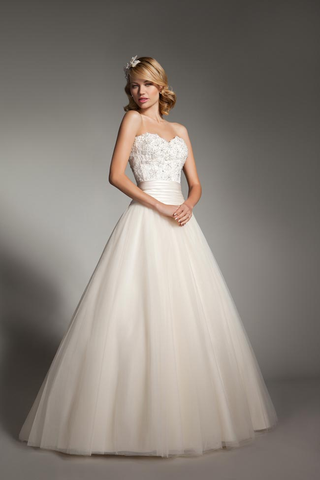 dress-dilemmas-mark-lesley-2176