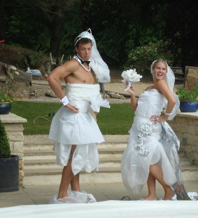 5 Hilarious Hen Party Games To Play With Butlers In The Buff!