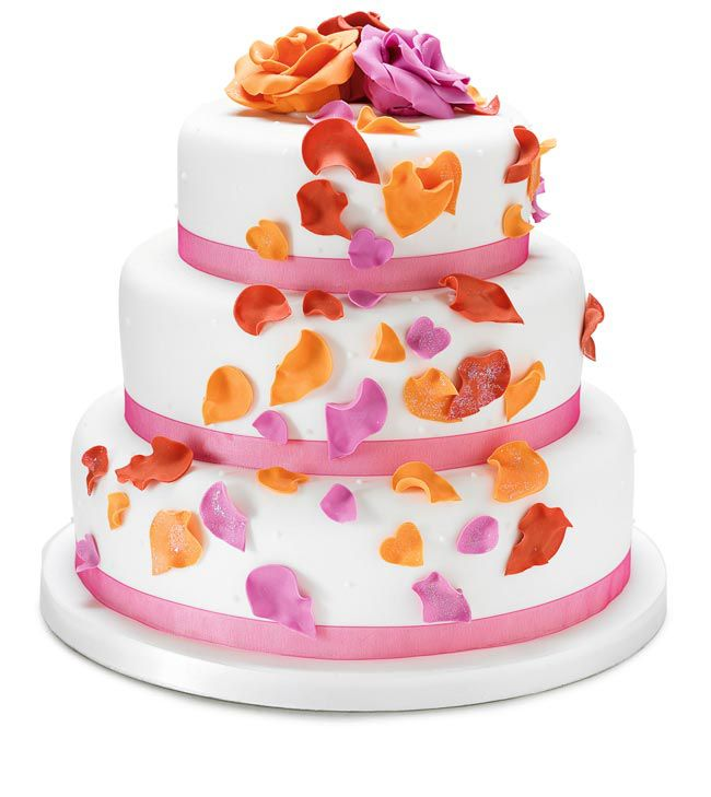 how-to-choose-high-street-wedding-cakes-to-suit-your-theme-petal-cake