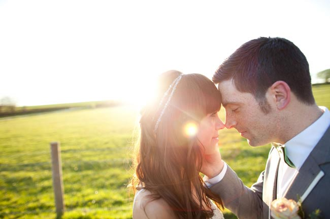 how-to-get-the-most-romantic-wedding-photos-ever-navyblur.co.uk