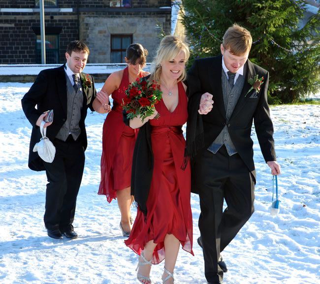 how-to-keep-guests-happy-at-a-winter-wedding-studiolux.co.uk_LUX0689B-F