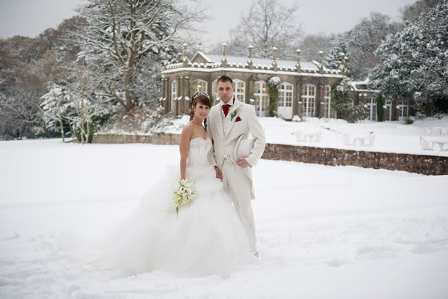 let-it-snow-a-wonderful-white-real-wedding-with-katie-and-dave-DSC_3924