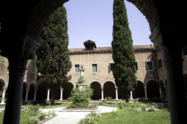 unusual-wedding-ceremony-locations-sanfrancesco