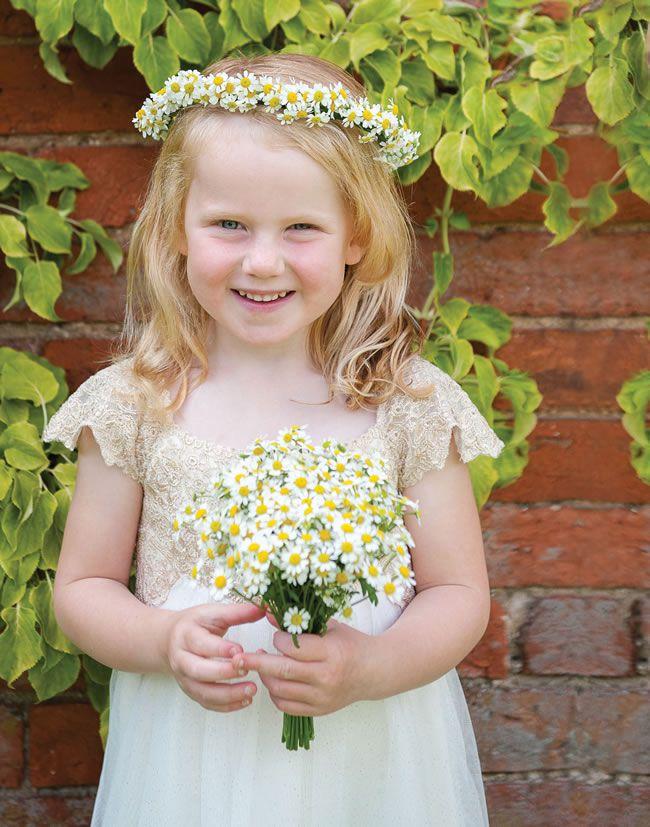 we-love-lindsey-and-daves-sunny-music-themed-wedding-weddingsbynicolaandglen.com-WeddingPreperations-0078