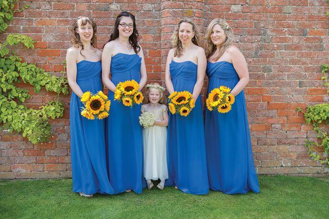 we-love-lindsey-and-daves-sunny-music-themed-wedding-weddingsbynicolaandglen.com-WeddingPreperations-0088