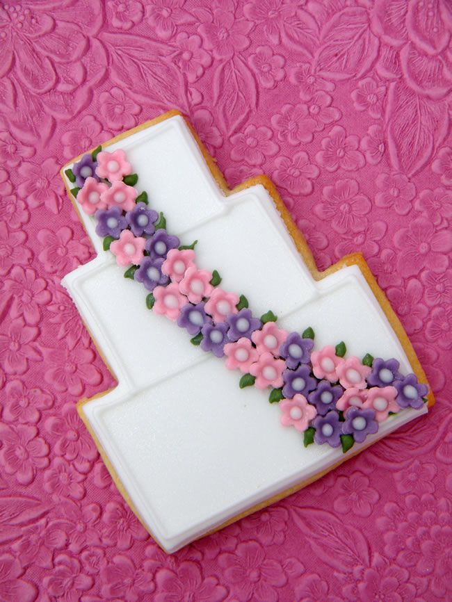 11-fantastic-wedding-favour-ideas-that-are-a-little-bit-different-wedding-cake-cookie