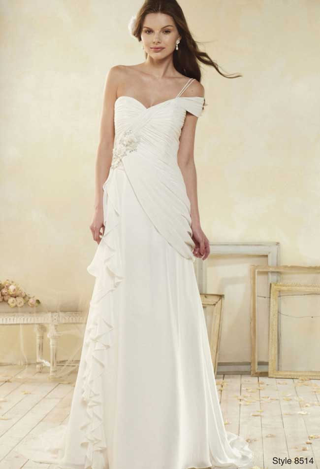 11-informal-wedding-dresses-for-a-relaxed-celebration-8514-MV-alfred-angelo