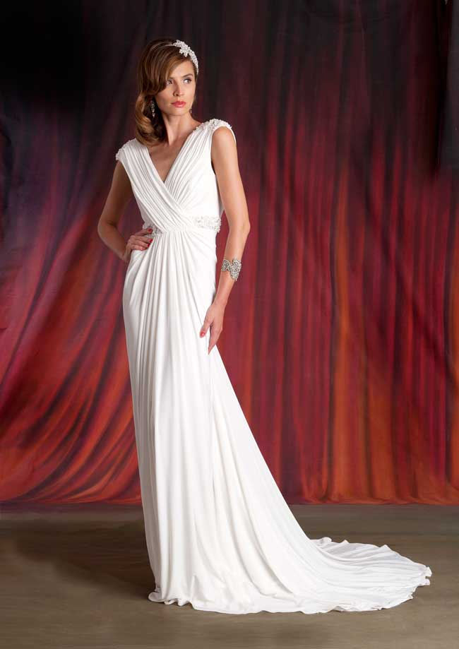11-informal-wedding-dresses-for-a-relaxed-celebration-Eliza-jane-howell