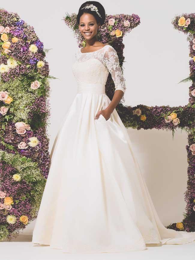 11-informal-wedding-dresses-for-a-relaxed-celebration-Lavender-Diane-Harbridge