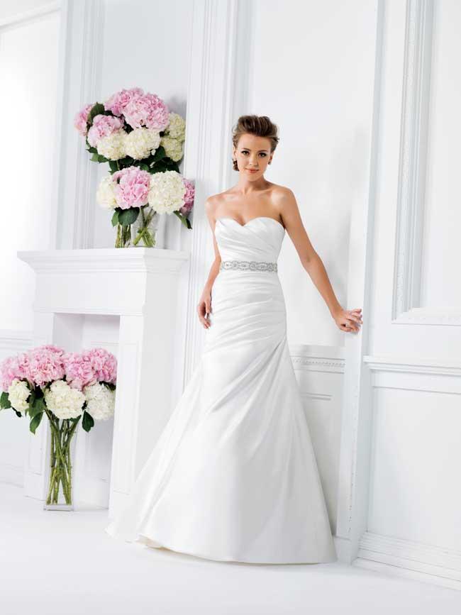 20-glamorous-wedding-dresses-full-of-sparkle-and-shine-F161001-Jasmine-Bridal