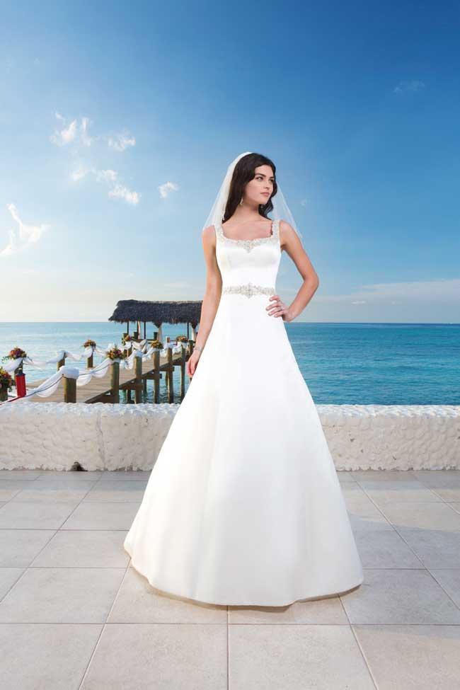 20-glamorous-wedding-dresses-full-of-sparkle-and-shine-Style-3786-Sincerity-Bridal