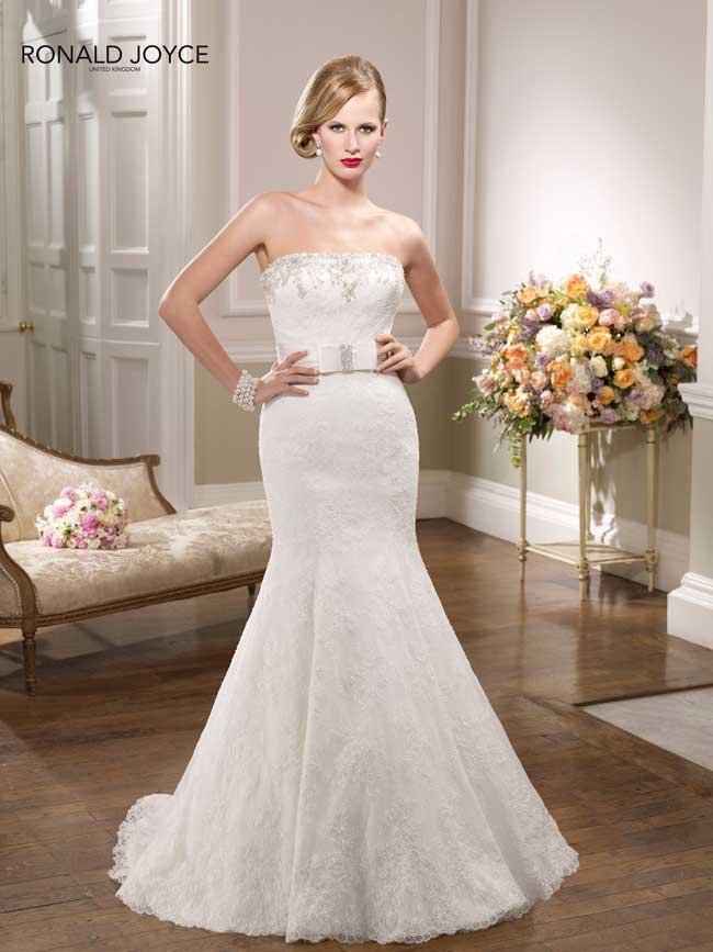 20-glamorous-wedding-dresses-full-of-sparkle-and-shine-Style-67054-Ronald-Joyce