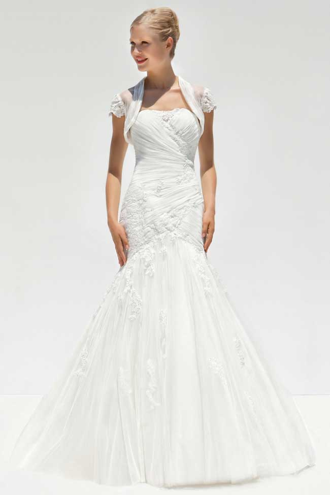 20-of-the-best-floral-wedding-dresses-for-a-country-garden-theme-MLB-7037-Front-with-Jacket-mark-lesley