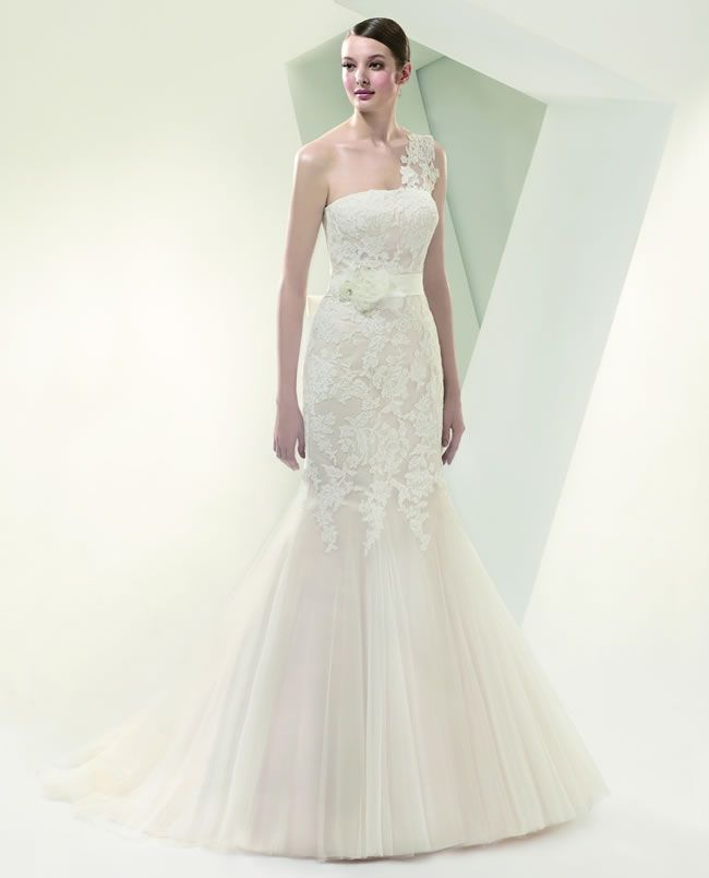 7-budget-friendly-wedding-dresses-from-beautiful-by-enzoani-BT14-style-14