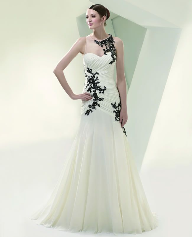 7-budget-friendly-wedding-dresses-from-beautiful-by-enzoani-BT14-style-7