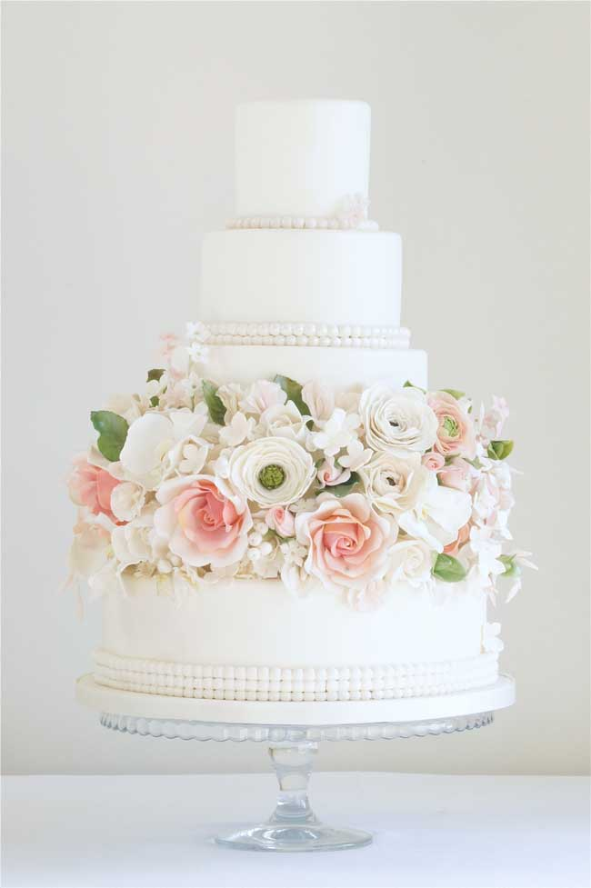 7-stunning-wedding-cakes-wow-factor-Floral-Elegance-1300-
