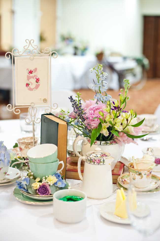 8-inspirational-table-centre-ideas-for-spring-and-summer-weddings-eleanorjaneweddings.co.uk