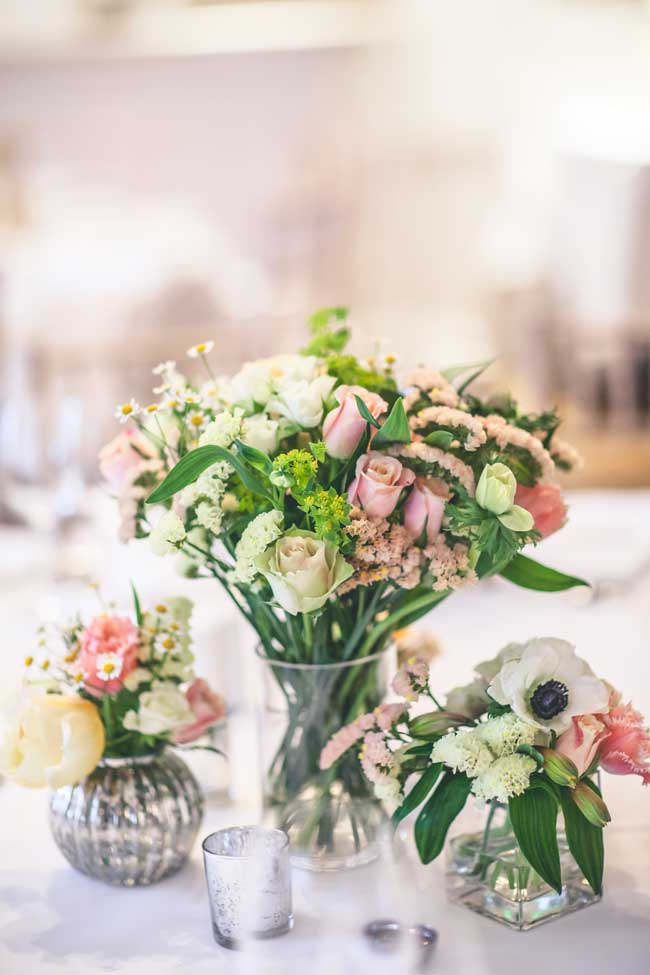 8-inspirational-table-centre-ideas-for-spring-and-summer-weddings-wookiephotography.com