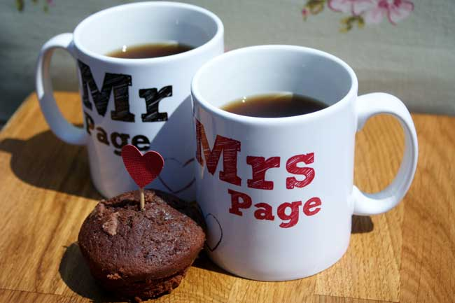 8-little-wedding-buys-that-will-make-a-big-impact-on-the-day-MUGS_www.biglittlethings.co.uk_Mr&Mrs_Mugs_15.95