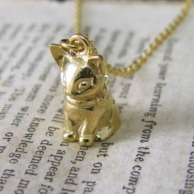 9-perfect-presents-for-children-at-weddings-kitten-necklace