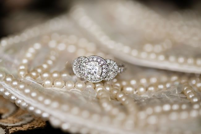 everything-you-need-to-know-about-buying-an-engagement-ring-shansphot.com--Jen-Mark-Wedding--36