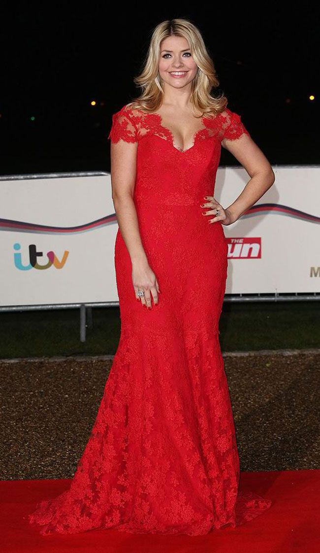 holly-willoughby-wows-in-scarlet-suzanne-neville-gown-at-military-awards-1