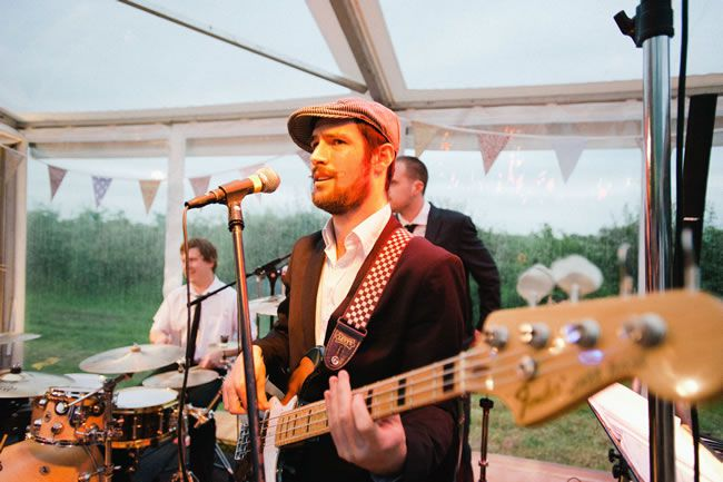 how-to-entertain-your-wedding-guests-in-2014-kristianlevenphotography.co.uk-Wiz&Jeremy-397