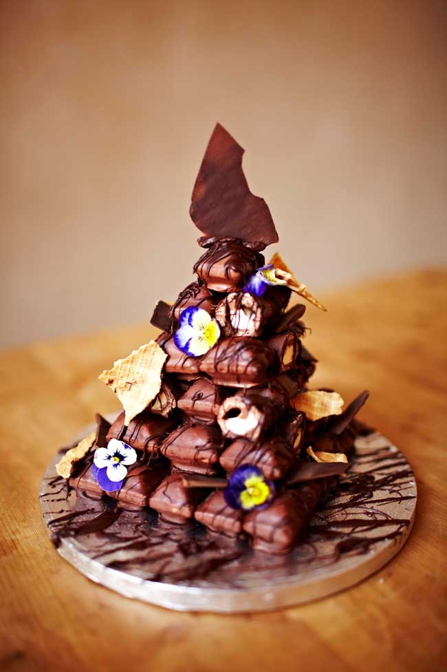 how-to-make-your-own-cadbury-crispello-wedding-cake-Cadbury-Crispello-Tower