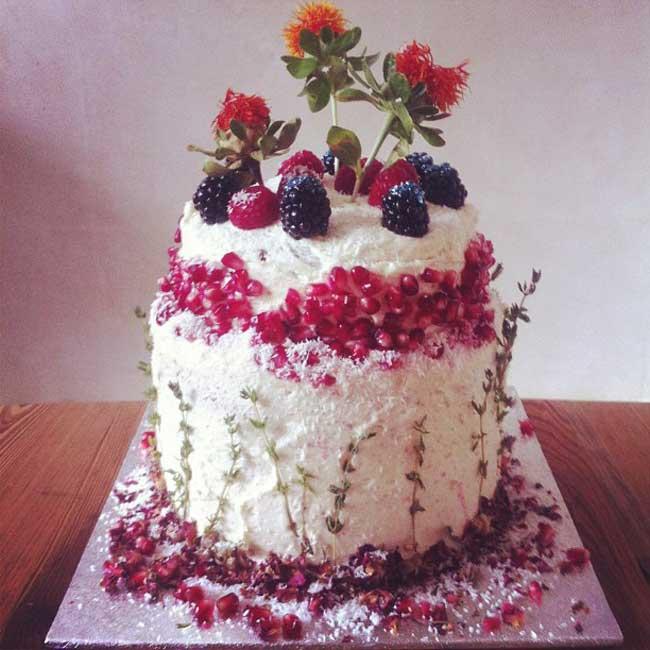 how-to-make-your-own-cadbury-crispello-wedding-cake-wedding-cake-4